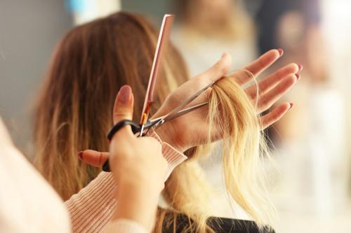 آموزش آرایشگری زنانه در تهران با مدرک فنی حرفه ای