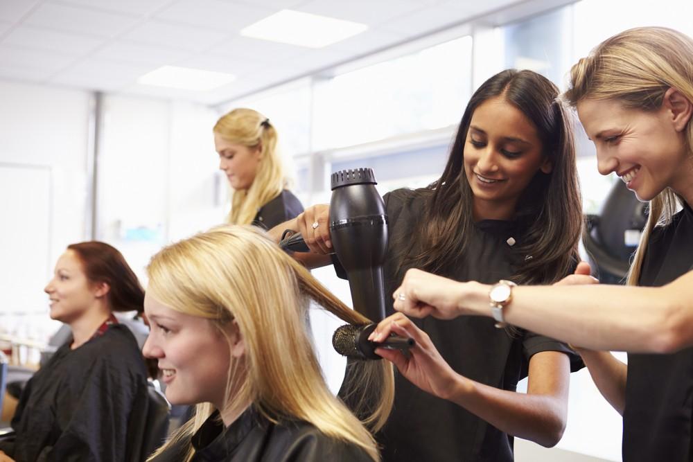 آموزشگاه آرایشگری زنانه ، آموزشگاه ارایش و پیرایش زنانه ، دوره آرایش و پیرایش زنانه ماتشکا